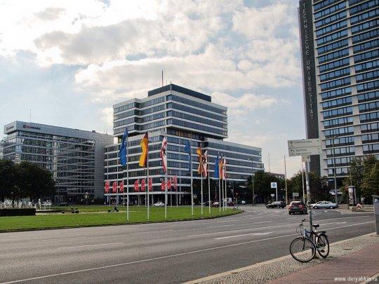 Берлин - здание технического университета