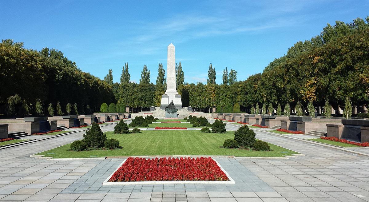 Кладбище советских солдат в Берлине